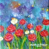 Flores vermelhas e brancas com céu de azuis