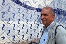 Roberto Segre (1934—2013) no piso térreo do Palácio Capanema, Rio de Janeiro<br />Foto Silvana Romano Santos