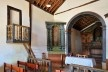 Capela de São João Batista, púlpito com balaústres torneados, extinto Arraial do Ferreiro, Goiás Velho GO, 2014<br />Foto Elio Moroni Filho