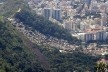 Favela Dona Marta vista do Corcovado, 2007<br />foto Brian Snelson  [Wikimedia Commons]