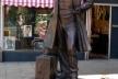 Estátua de Thomas Cook, o inventor do turismo, em Leicester, Inglaterra<br />Foto Ned Carlson  [Wikimedia Commons]