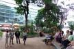 Evento na praça dos Omaguás em 2014. Ao fundo, edifício da Fnac (antiga Ática Shopping Cultural), São Paulo, arquitetos Paulo Bruna e Roberto Cerqueira Cesar<br />Foto Mauro Calliari