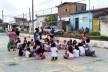 Realização de ações sociais com adultos e crianças<br />Foto Simone Costa