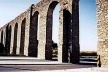 Fig.11 – Roman aqueduct at Évora<br />Foto JAZ, 1997