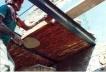 """En el lenguaje popular, lo llaman techo de """"bóveda"""". Se utilizan viguetas metálicas y ladrillo de barro rojo recocido puesto de canto y pegado de cara"""