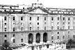 Figura 07 – Albergo dei Poveri, Nápoles (Ferdinando Fuga, 1751) [PEVSNER, N.. História de las tipologias arquitectónicas. Barcelona; Gustavo Gili, 1980. p ]