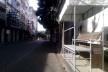 As bancadas da polícia na avenida Sete de Setembro, circuito Osmar, a cada 50 metros ocupam as calçadas desde uma semana antes da festa<br />Foto Volha Yermalayeva Franco