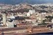 Figura 2 – Vista aérea da parte mais alta e mais homogênea, constituida desde os primórdios da ocupação da área e a região do porto desenvolvida após 1910<br />Foto Eduardo Maia  [Acervo do LPUA/NPPG]