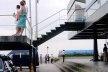 Prolongamento da escada em dois lances sobre a Praça Thomé de Souza. O acesso ao prédio se dá sob a escada<br />Foto Daniel J. Mellado Paz