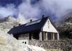 Instalacao fotovoltaica em Albergue no Parque Nacional d' Aigues Tortes-Sant Maurici, Espanha [ICAEN – Institut Català d'Energia]