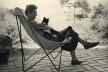 Elizabeth Bishop no Brasil com seu gato, Tobias<br />Foto divulgação  [Vassar College Library Archives & Special Collections, New York/Radio BBC]