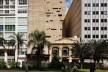 Praça das Artes, edifício novo e fachada restaurada do Cine Cairo, São Paulo. Escritório Brasil Arquitetura e arquiteto Marcos Cartum<br />Foto Nelson Kon