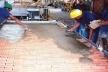 Painel de GRC que incorpora plaquetas cerâmicas no processo de pré- fabricação