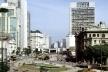 Vale do Anhangabaú, São Paulo<br />Foto Nelson Kon  [Cidade e seu duplo, Abílio Guerra e Marco do Valle, Arte/cidade 2]