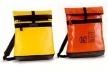 """Prêmio Plagiarius 2001. 2º lugar para Heinrich Deichmann GmbH & Co. KG, Essen pela cópia da the mochila """"Punch 2"""" da BREE Collection GmbH & Co. KG, Isernhagen, Alemanha"""