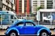 "Fusca azul sobre azul, série fotográfica ""Os fuscas ofuscam""<br />Foto Fernando Mascaro"