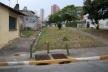 Bueiro na rua Pedro Lopes. Aqui se ouve o Água Preta<br />Foto Vladimir Bartalini