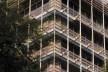 Detalhe da fachada, estrutura dos brises<br />Imagens dos autores do projeto