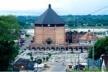 Igreja Nossa senhora da Glória de Cruzeiro do sul. Construída pelos Irmãos Espiritanos alemães, em 1967. Não possui colunas e sua arquitetura aproxima a linguagem bizantina de uma maloca indígena