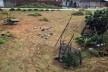 Limpeza em terreno na Comunidade Alto da Torre<br />Foto Simone Costa