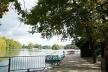 Atracadouro às margens do lago do Parc de la Tête d'Or, onde são organizados passeios no lago (de barcos e pedalins) e nos caminhos ao redor<br />Foto: Jovanka Baracuhy C. Scocuglia