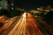 Avenida 23 de Maio, em São Paulo: via de trânsito rápido sem acesso aos lotes lindeiros<br />Foto Silvio Tanaka  [Creative Commons]