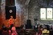 Apresentação musical na Tron Kirk durante o festival Fringe, em Edimburgo, Escócia<br />Foto Victor Sena