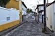 Faixa contínua de lajeado no meio da via pública, denominada capistrana, Diamantina MG, 2014<br />Foto Elio Moroni Filho