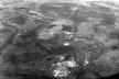 Vista aérea do início da construção de Brasília tendo em primeiro plano o Palácio do Alvorada, 1957/58 [Acervo Arquivo Público do Distrito Federal]