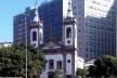 Igreja de Santa Luzia, com Palácio Capanema – antigo Ministério da Educação e Saúde e sede original do Iphan – ao fundo<br />Foto Abilio Guerra