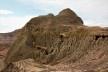 Surpresas do subsolo reveladas pela erosão. Bosque Petrificado, Sarmiento, Estado de Chubut, Argentina<br />Foto Diana Souza