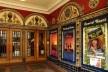 Castro Theatre. A programação do teatro tem temática LGBT; além de Priscila, a rainha do deserto, havia a opção, de assistir uma peça com Miss Coco Peru, famosa drag queen californiana<br />Foto Maria Carolina Maziviero, 05/04/2014