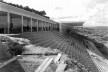 Estádio e complexo poliesportivo do Pacaembu, construção, São Paulo, anos 1940<br />Foto divulgação  [Acervo FAU USP / livro <i>Museu do Futebol</i>]