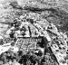 Cidade de Bagnaia, Itália, com a Villa Lante construída por Bignola no final do século XVI [BENÉVOLO, Leonardo. A história da cidade. São Paulo, Perspectiva, 1983]