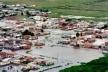 Ocupação de terrenos inadequados está na origem de deslizamentos, erosão e enchentes no período do verão: fatos que implicam em riscos iminentes a vida de toda a cidade [www.midiaindependente.org]