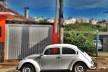 """Fusca bege, série fotográfica """"Os fuscas ofuscam""""<br />Foto Fernando Mascaro"""