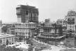 À esquerda, Edifício Martinelli, em construção; à direita Edifício Sampaio Moreira. Vale do Anhangabaú, São Paulo, 1927 [SAN/DIM/DPH/SMC/PMSP]