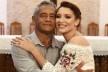Camila de Sousa Ferreira e seu pai na missa de formatura<br />Foto divulgação