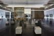 Cavaletes de vidro reconstruídos, exposição montada. Metro Arquitetos Associados