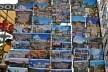 Contaminações, postais a venda em carro loja em frente ao Coliseu<br />Foto Fabio José Martins de Lima
