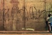 Detalhe da matéria sobre Cripta Djan Ivson na capa do caderno Ilustrada, Folha de São Paulo<br />Foto divulgação  [FSP, 15/03/2012, p. E1]