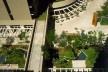 Brascan Century Plaza, praça de acesso coletivo, Itaim Bibi, São Paulo. Arquitetos Jorge Konigsberger e Gianfranco Vannucchi<br />Foto Nelson Kon