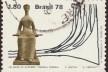 """Selo comemorativo ao """"150º aniversário do Supremo Tribunal Federal do Brasil"""", 1978. Desenhos da escultura """"A Justiça"""", de Alfredo Ceschiatti, e do Palácio da Justiça, de Oscar Niemeyer<br />Imagem divulgação  [Domínio público / Wikimedia Commons]"""