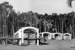 Vista frontal da casa Berlingieri (1947), de Antonio Bonet. Hitchcock, Henry-Russell. Latin american architecture since 1945, p.163