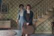 A protagonista, Elizabeth Harmon, chega em sua casa adotiva. Cena do filme <i>O Gambito da Rainha</i>, direção de Scott Frank<br />Foto divulgação  [Netflix]
