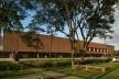 Biblioteca São Paulo, Parque da Juventude, São Paulo. Escritório Aflalo & Gasperini (arquitetura), Dante Della Manna (interiores) e Univers Design (design gráfico)