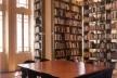Biblioteca FAU-Maranhão, antiga Vila Penteado, arq. Carlos Ekman. Reforma Escritório Piratininga<br />Foto Cristiano Mascaro