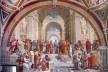 """Escola de Atenas (""""Scuola di Atene""""), Rafael Sanzio, 1509-1511, afresco, 500×700, Palácio Apostólico, Vaticano<br />Foto divulgação  [Wikimedia Commons]"""