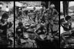 """""""O inferno de Bosch segundo Sebastião Salgado"""", tríptico 9, fragmentos da exposição fotográfica """"Gold – Mina de Ouro Serra Pelada""""<br />Fotomontagem de Abilio Guerra"""