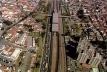Stills do filme do sobrevôo sobre São Paulo. Otávio Cury / Mutante Filmes, 2006